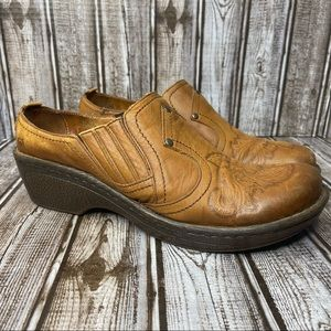 Born leather mule clogs - tobacco brown - size 10